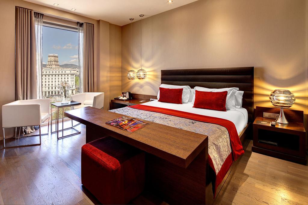 Camere Familiari Barcellona : Hotel sulla rambla dormire a barcellona in centro